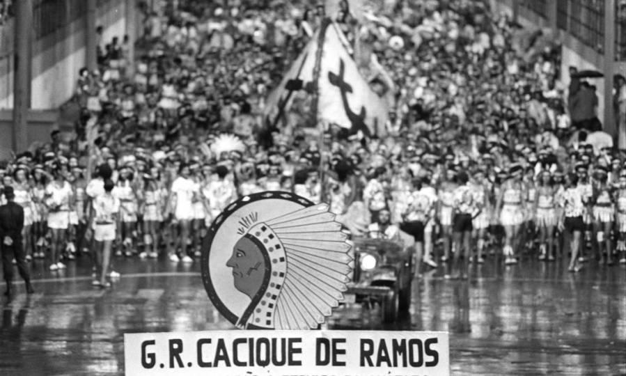 desfile-cacique-de-ramos-em-06-02-1978